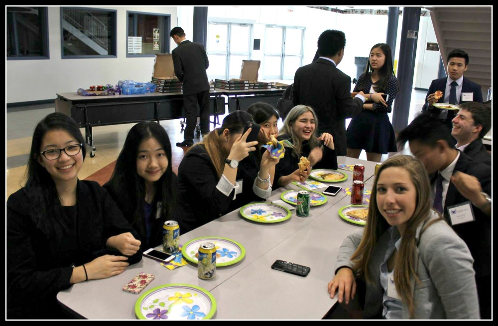 Lunchtime! MUN provides students with the chance to meet people from different schools and to form long-term friendships with like-minded people.